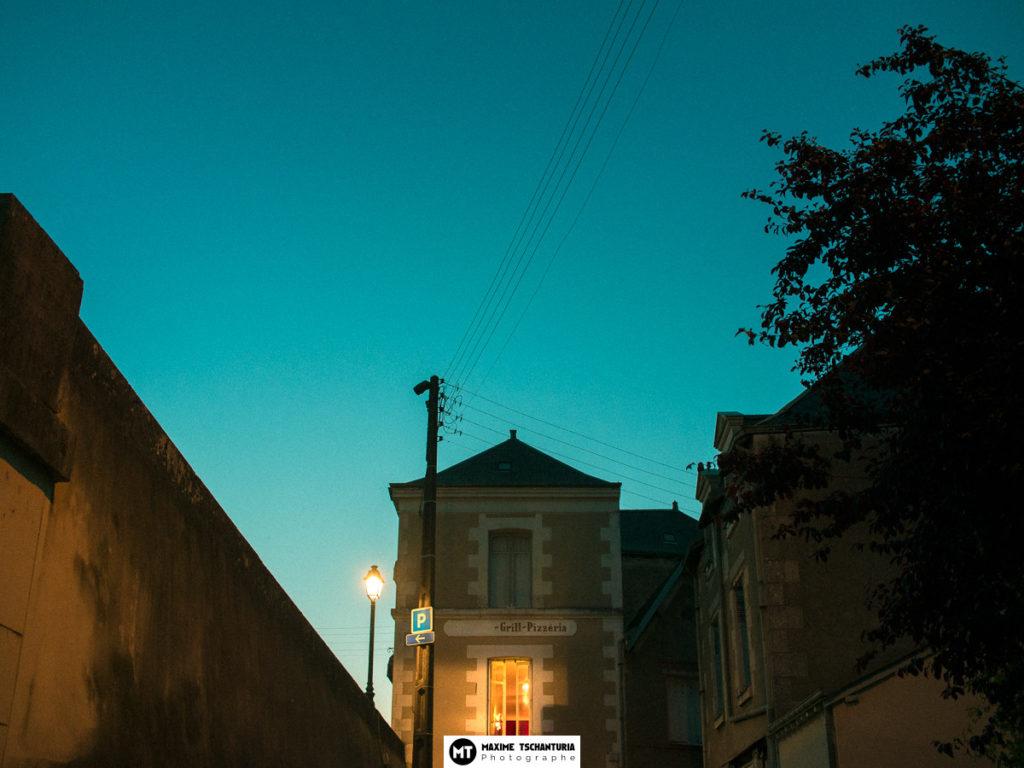 Photo art : Pizzeria à l'heure bleue - Maxime Tschanturia, photographe professionnel Tours